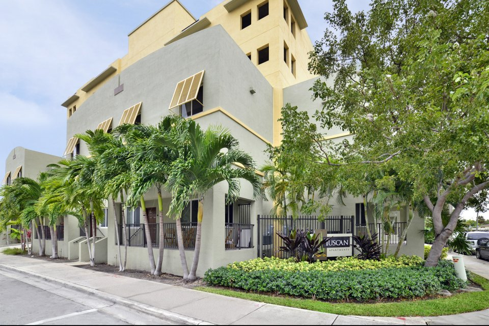Tuscan Place Apartments Is Located On The Miami River And NW 6th Street, On  The East Side Of The 5th Street Bridge. Tuscan Place Is Convenient To  Downtown ...