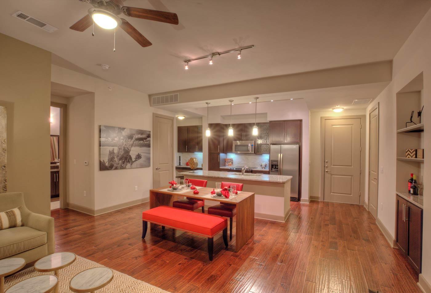 ALARA Uptown | apartments Dallas TX | Spacious Dining Room