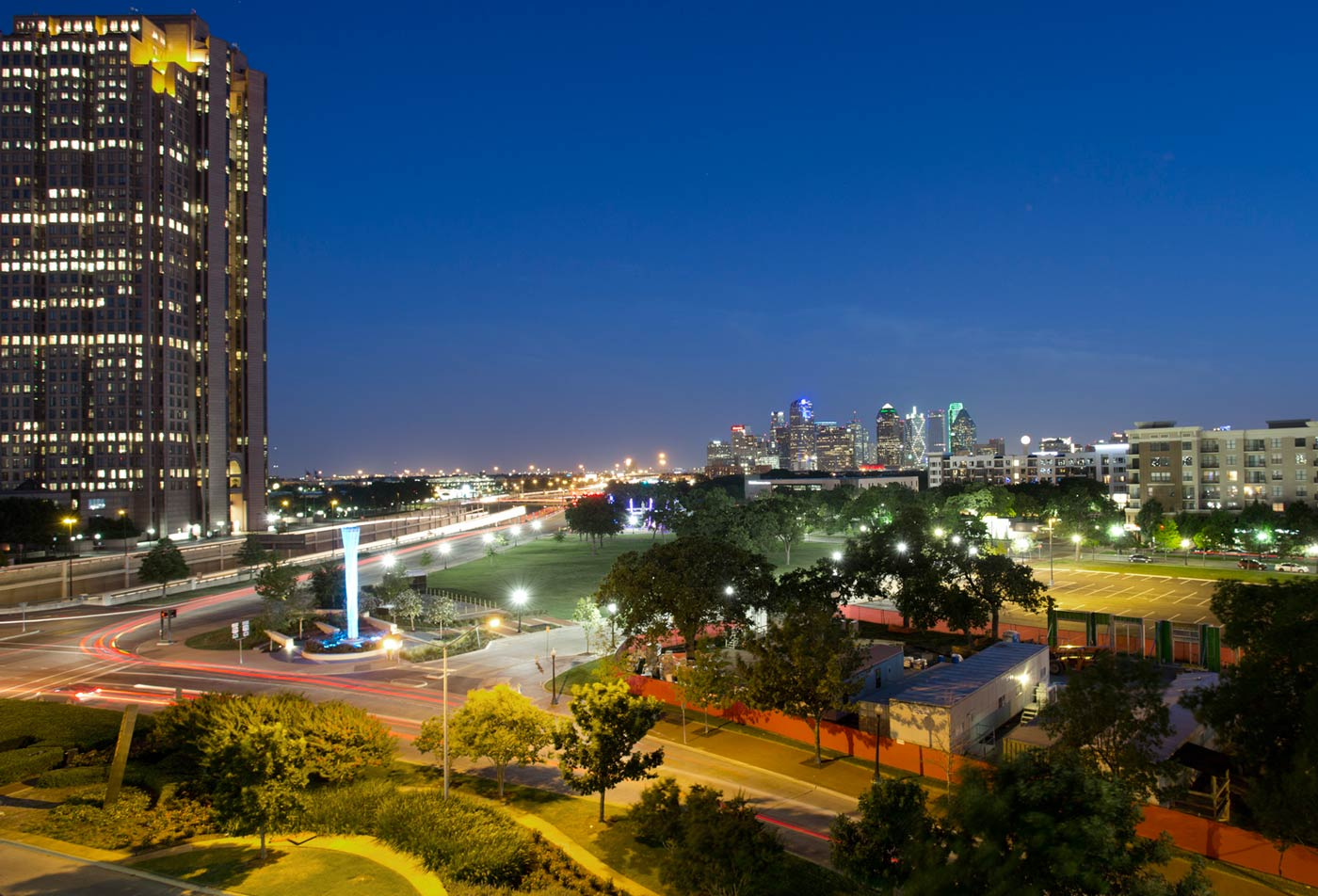 ALARA Uptown | Dallas Luxury Apartments | Gorgeous City Skyline Views