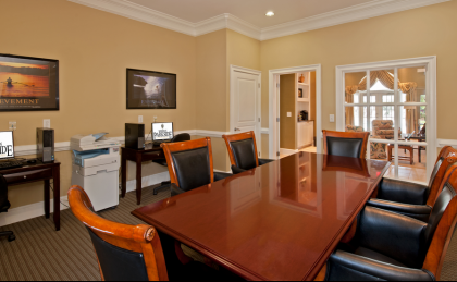 Luxury apartments in Hampton, VA with business center
