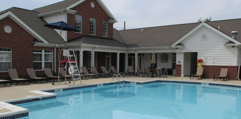 UD Off Campus Housing | Pool