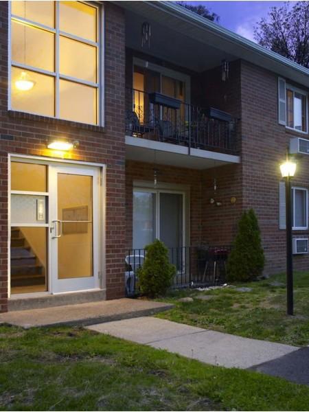 Livingstone Apartment Homes