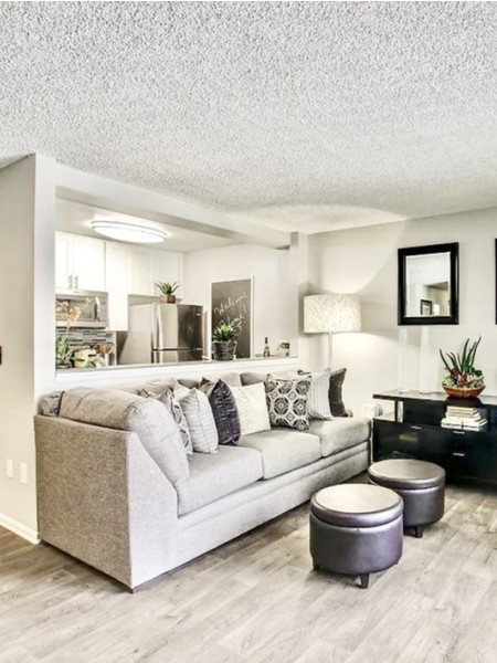 Living room | The Breakwater | Apartments in Huntington Beach