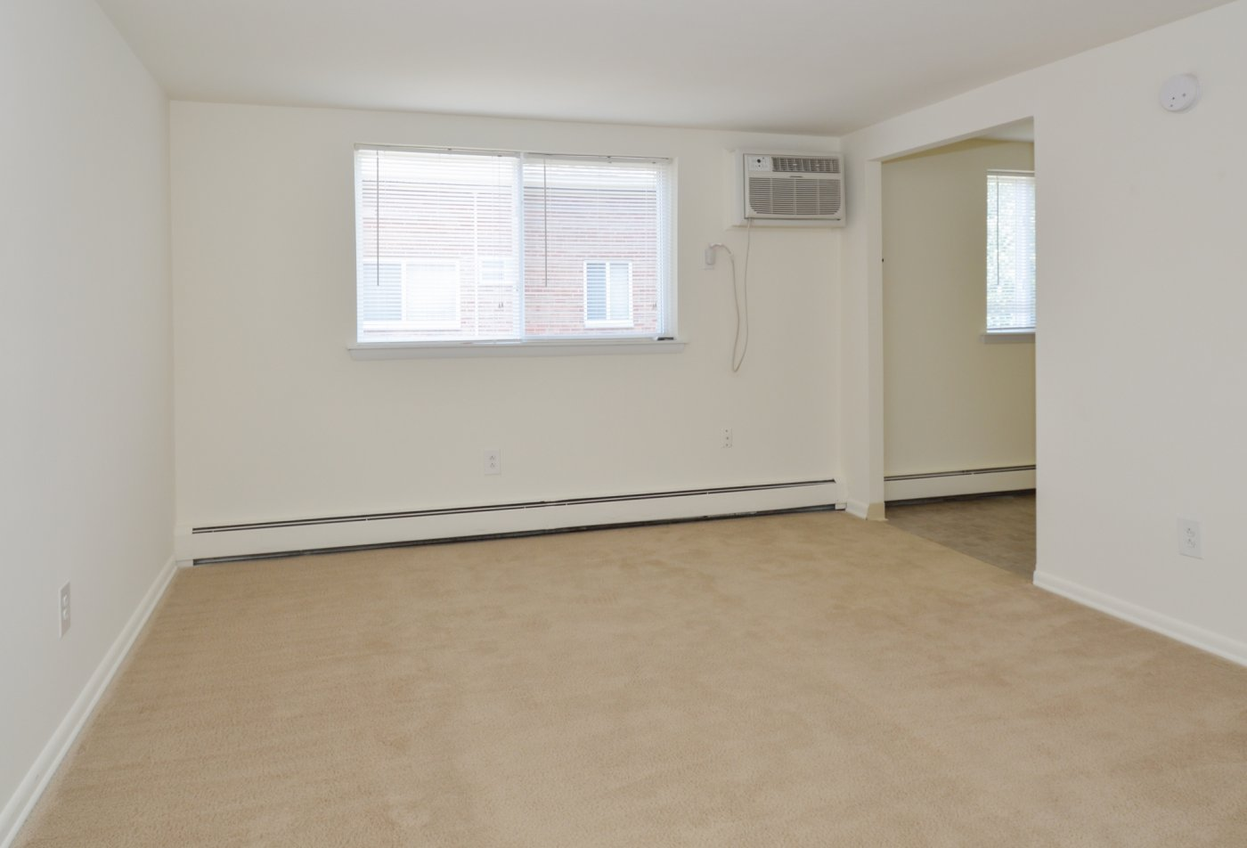 Spacious Living Room | Apartments in Boothwyn, PA | Boothwyn Court Apartments