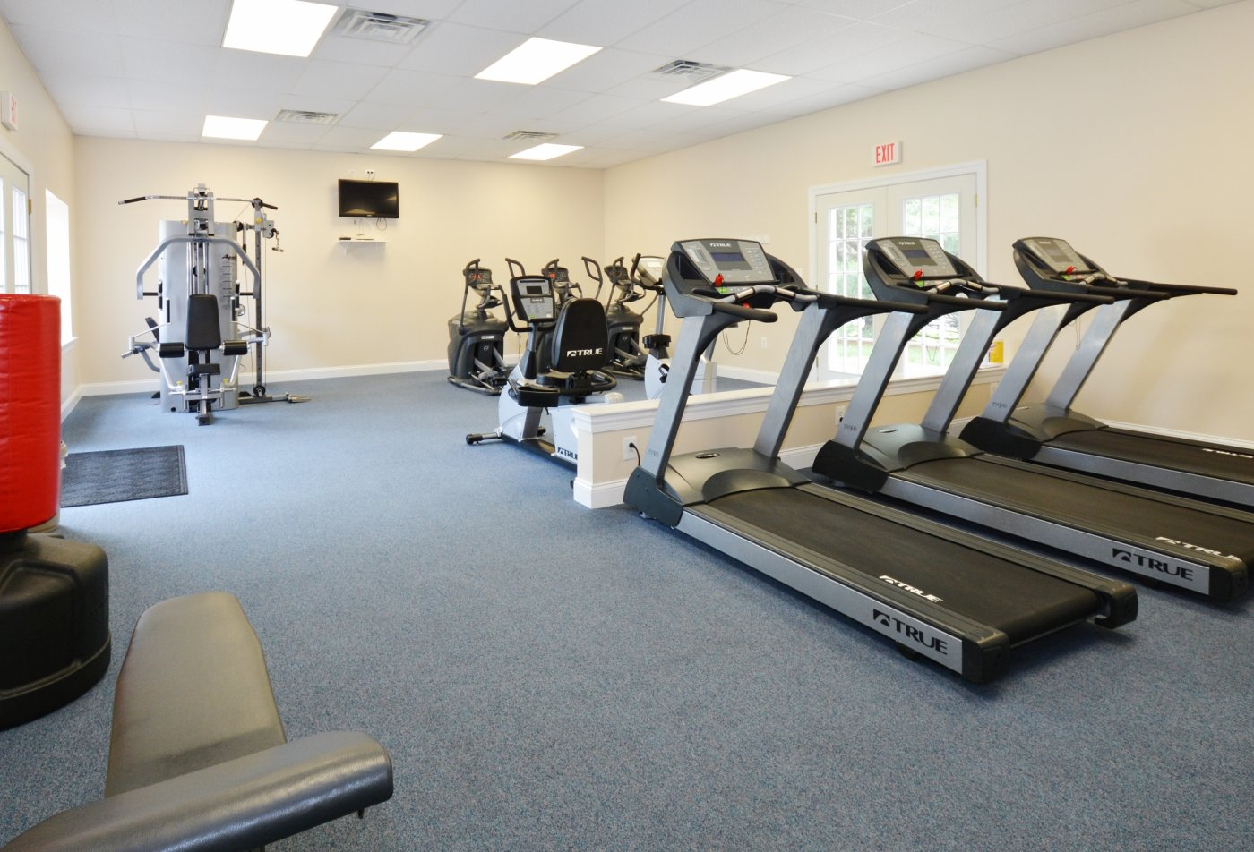 State-of-the-Art Fitness Center | Apartment Homes in Levittown, PA | Country Manor Apartments