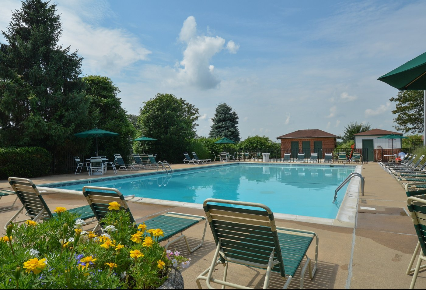 Swimming Pool | Apartment Homes in Wilmington, DE | Fairway Park Apartments & Townhomes