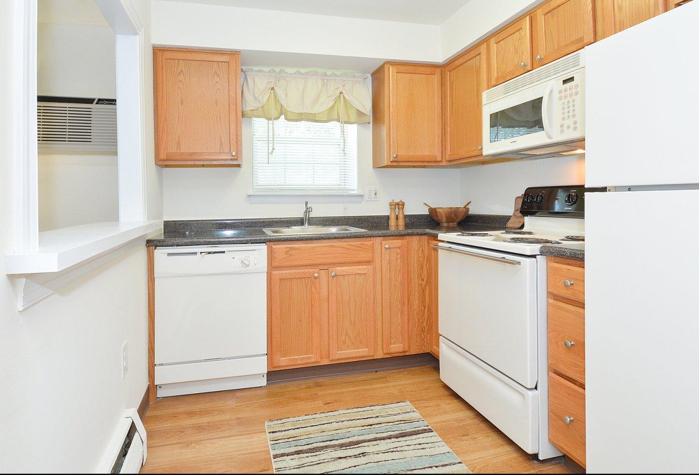 State-of-the-Art Kitchen | Claymont DE Apartment Homes | Naamans Village Apartments