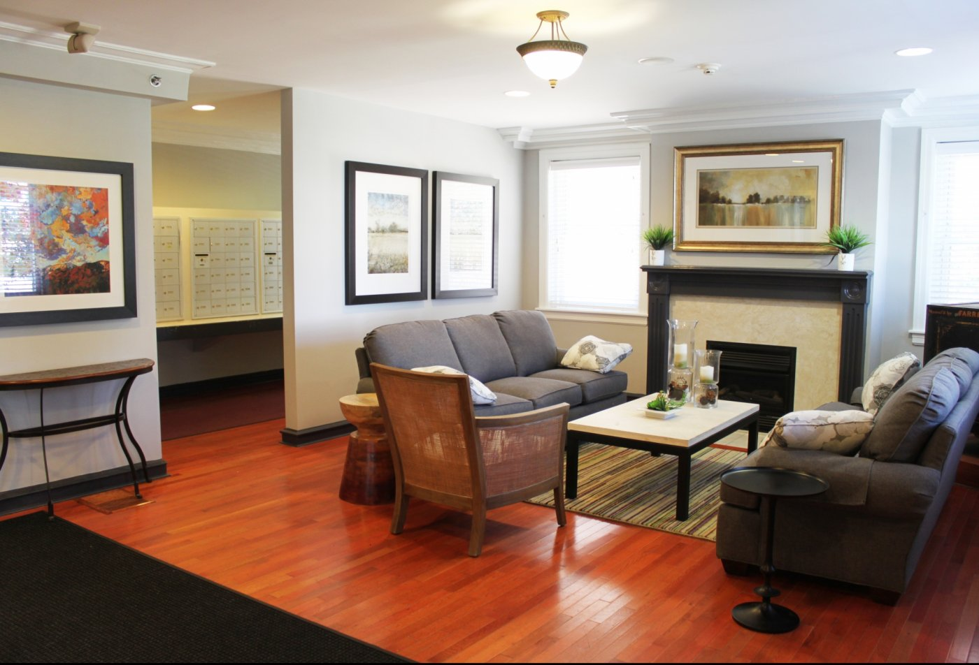 Spacious Living Room | Apartments in Ardmore, PA | Suburban Court Apartments