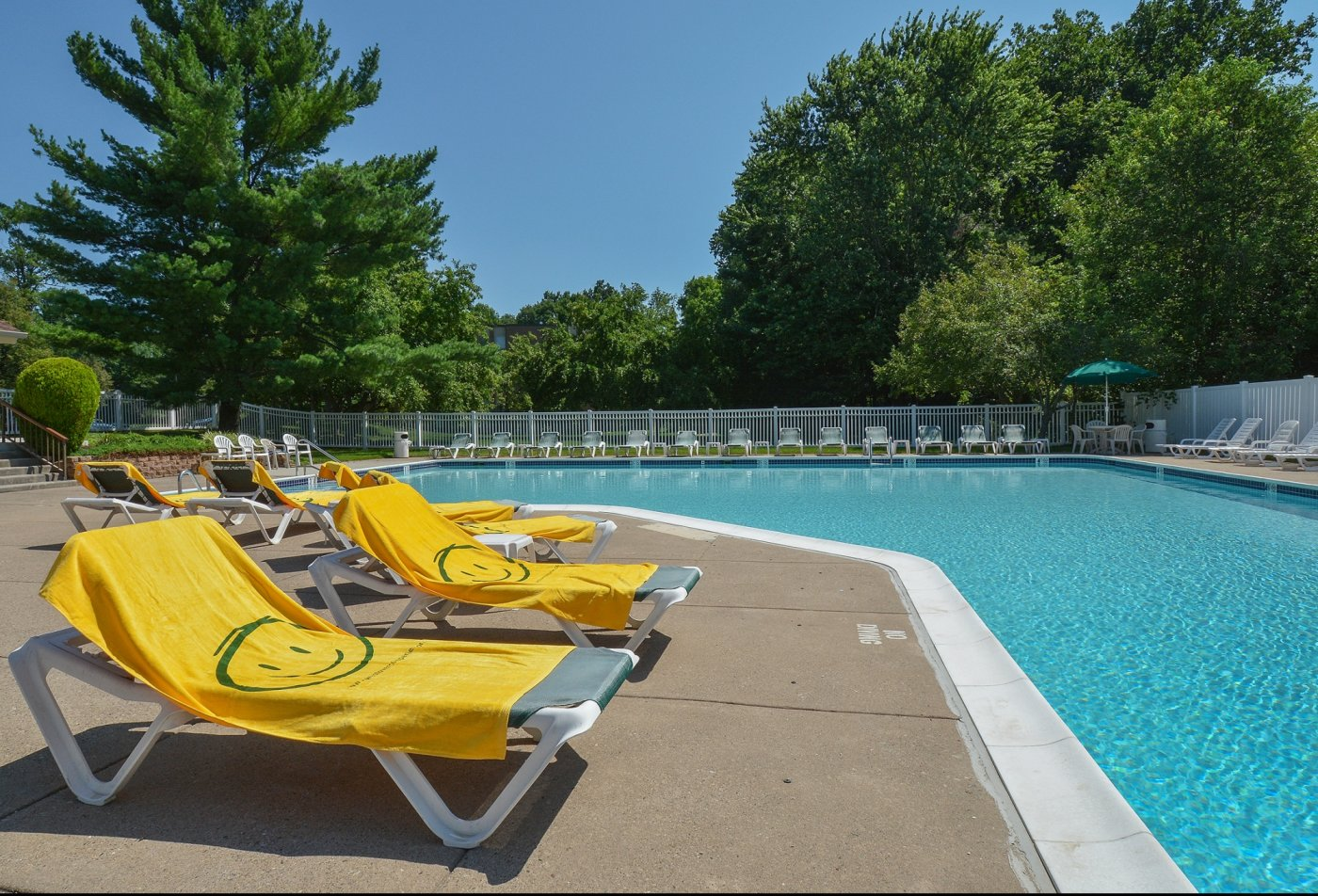 Swimming Pool | Apartment Homes in Langhorne, PA | Summit Trace Apartments
