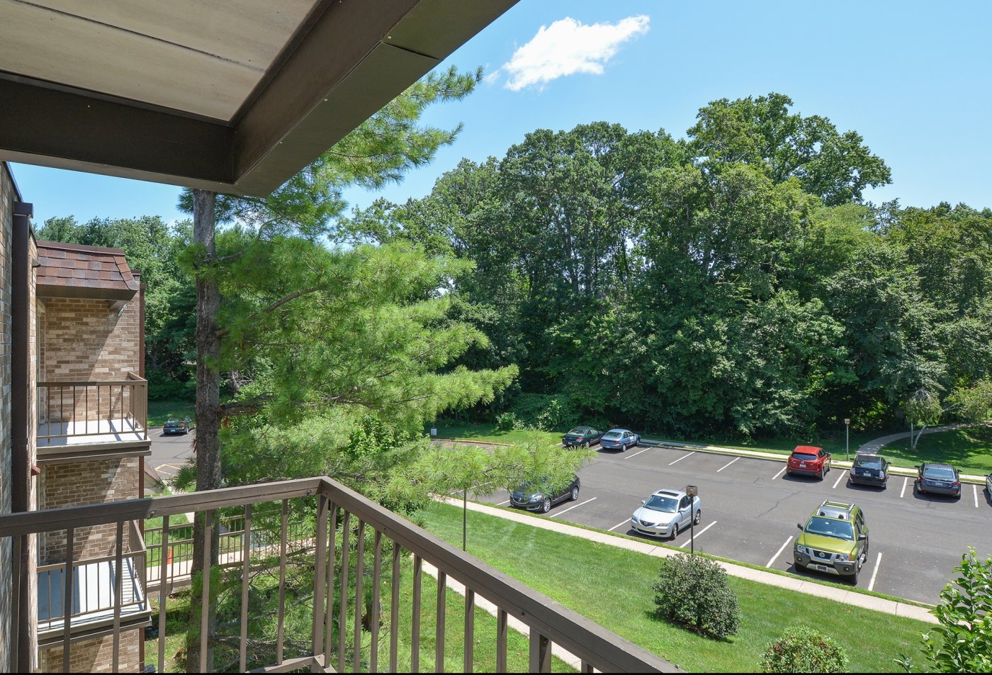 Spacious Apartment Balcony | Langhorne PA Apartments For Rent | Summit Trace Apartments