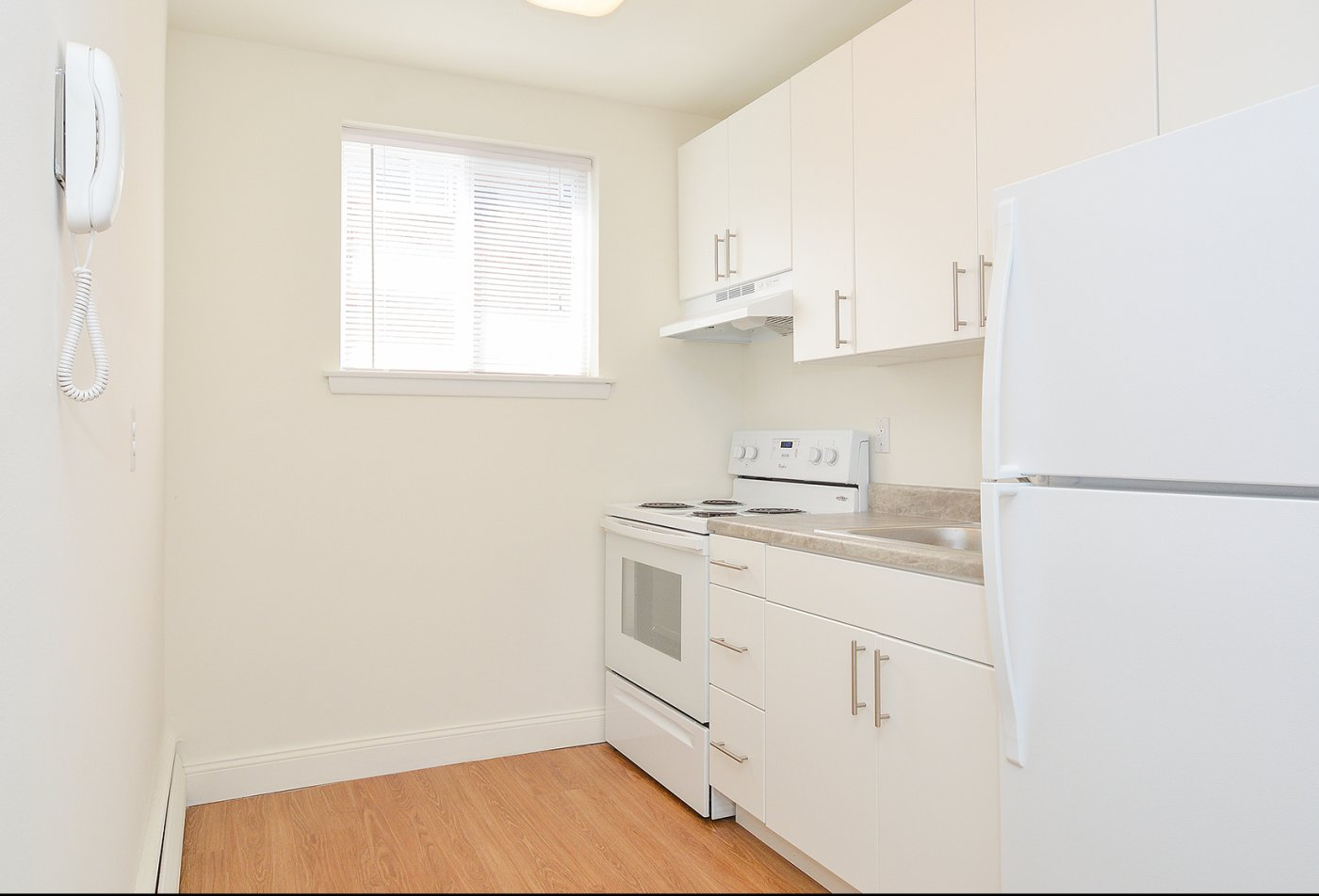 State-of-the-Art Kitchen   Media PA Apartment Homes   Woodview Apartments