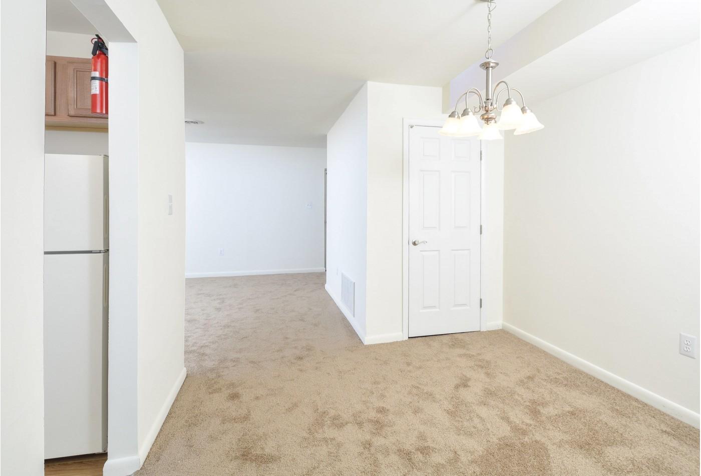 Apartment Homes in Newark, DE | Glen Eagle Village