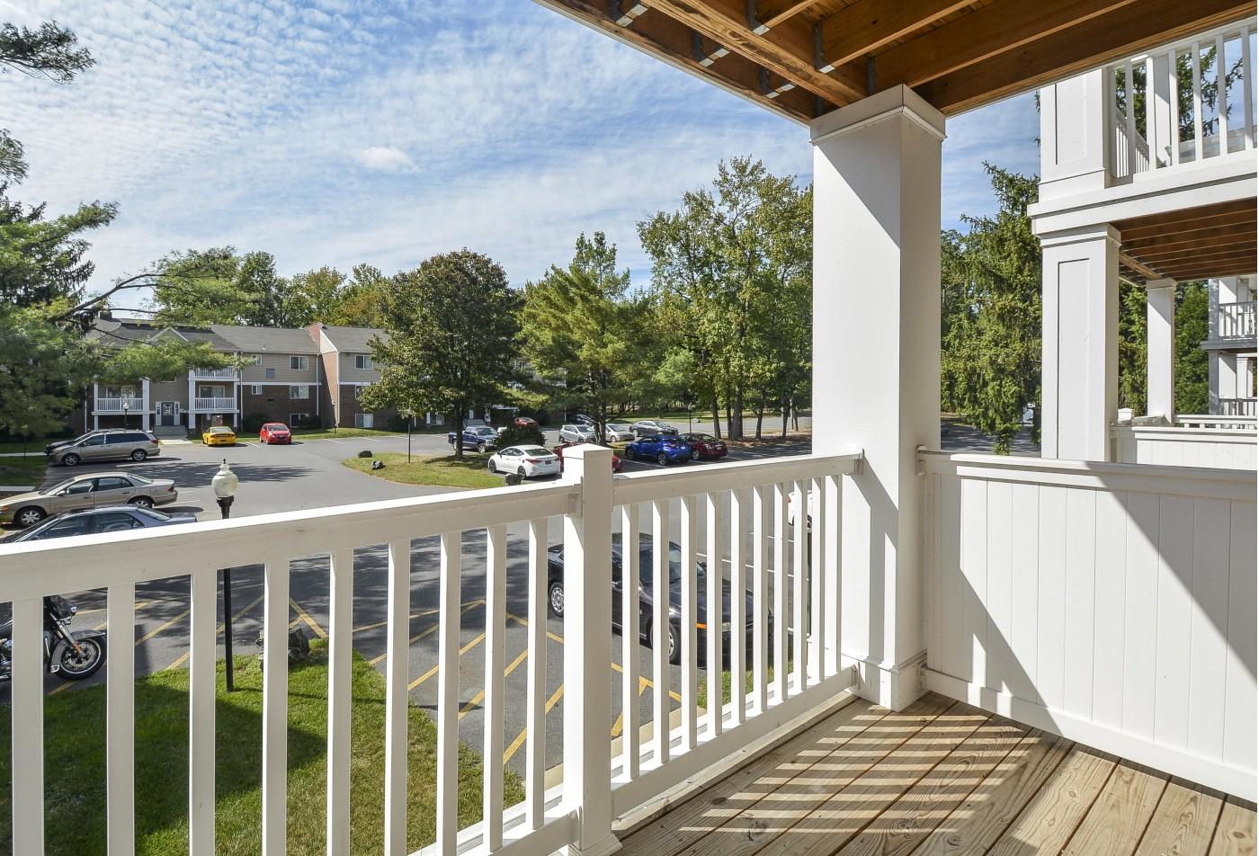 Spacious Apartment Balcony | Newark DE Apartments For Rent | Glen Eagle Village