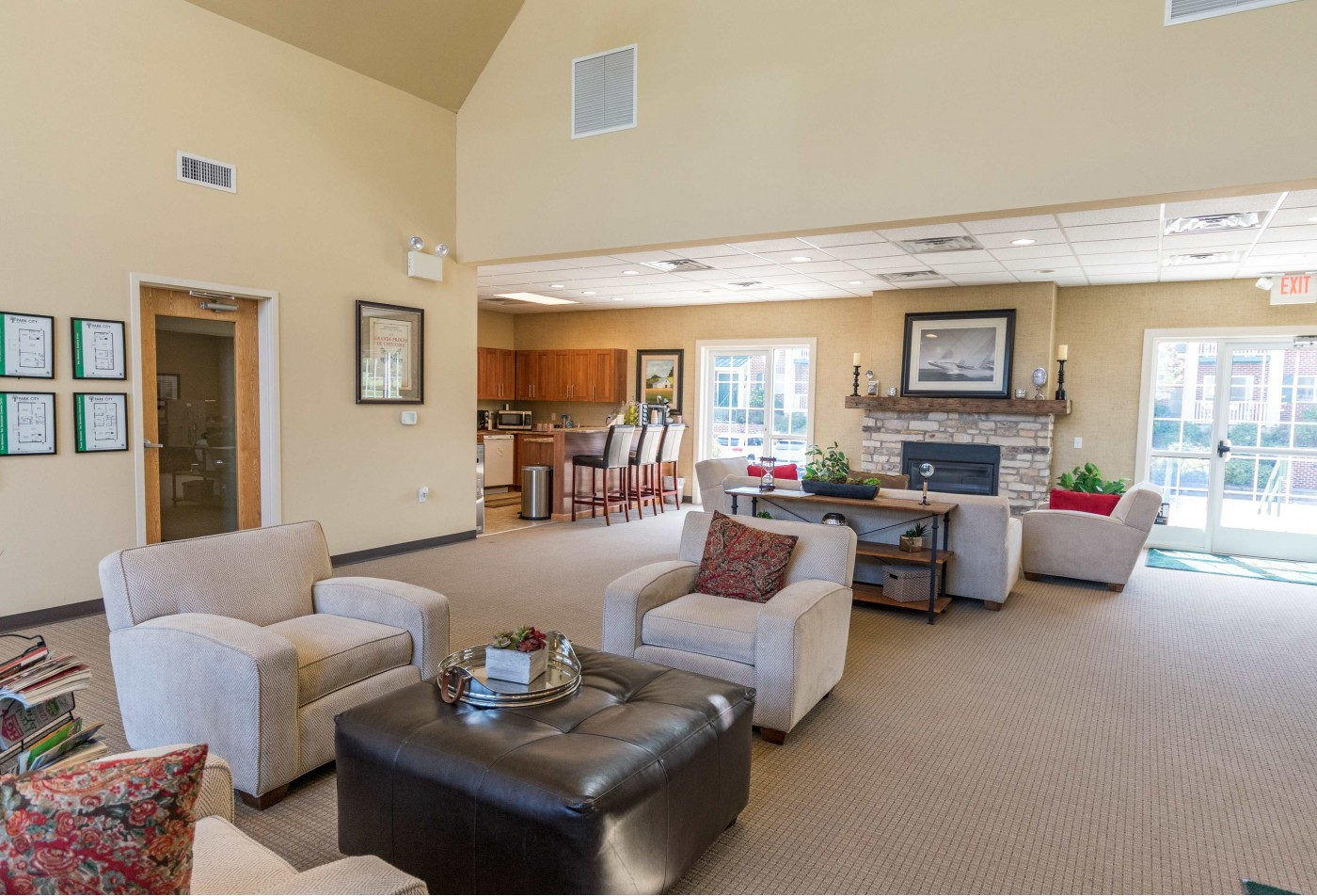 Swimming Pool | Apartment Homes in Lancaster, PA | Park City Apartments