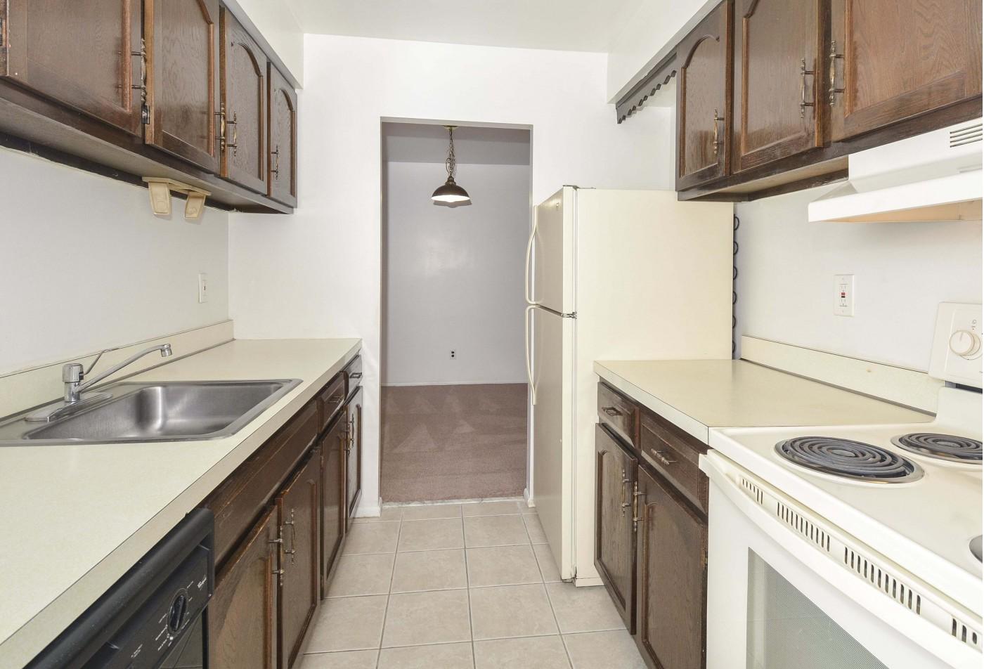 Apartments For Rent Near Me | Hillcrest Apartments