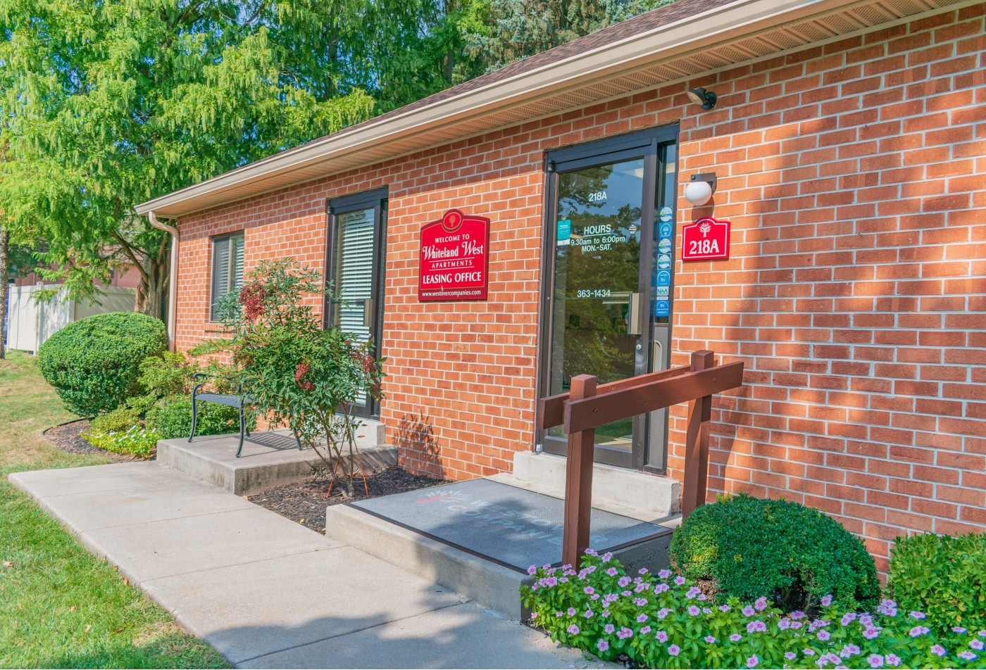 Spacious Living Room | Apartments in Exton, PA | Whiteland West Apartments