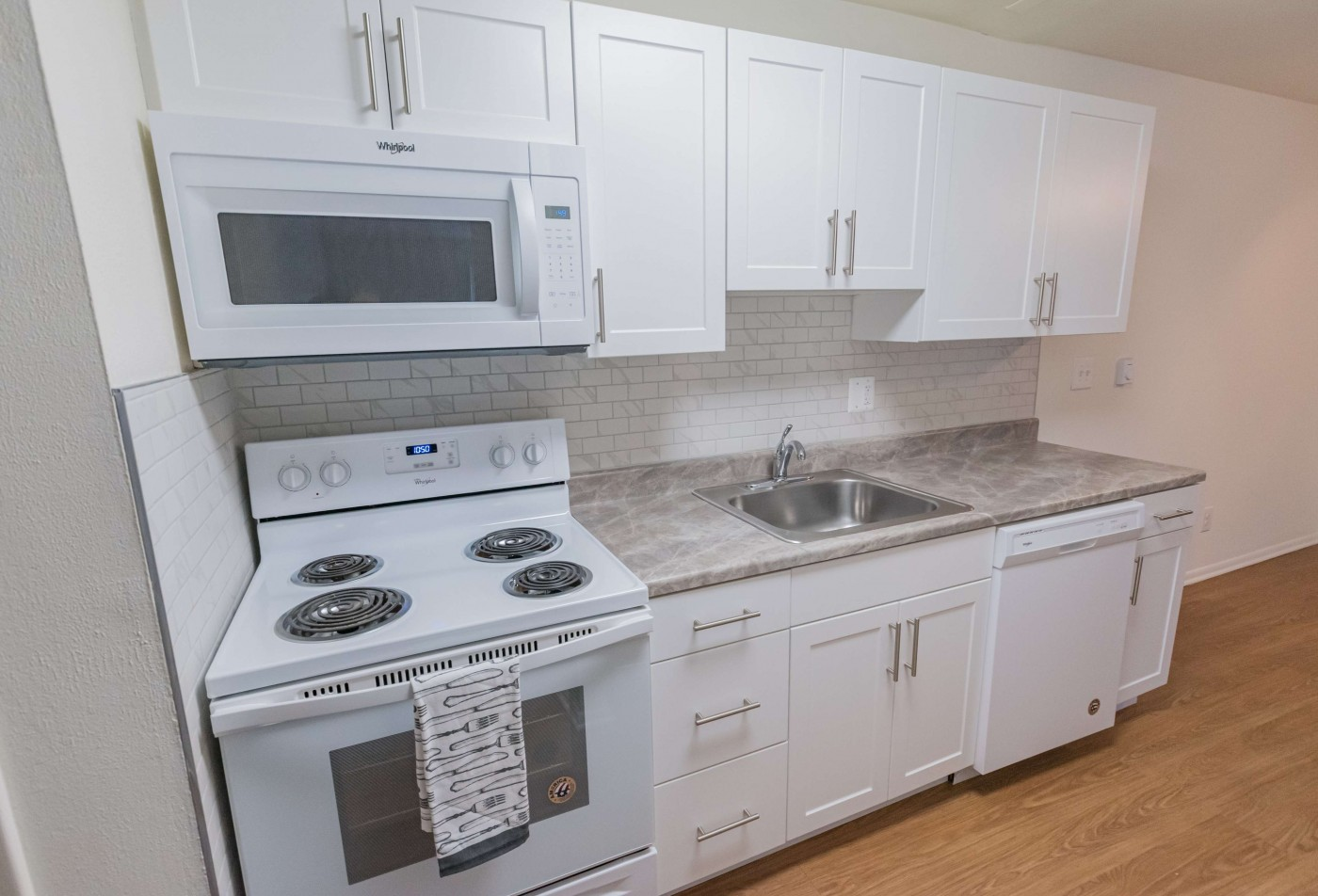 Spacious Master Bedroom | West Chester Apartments | Hollow Run Apartments