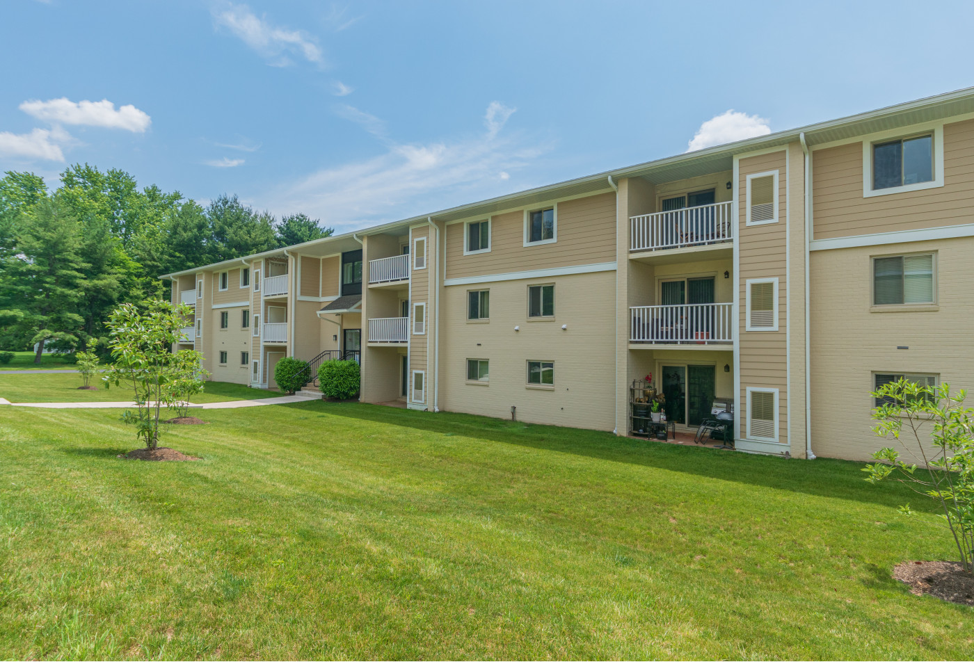 Pet Friendly Apartments in Downingtown Pa | Caln East Apartments
