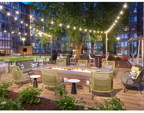 Newly Renovated Courtyard | Firepit | Meridian at Courthouse Commons | Arlington Apartments