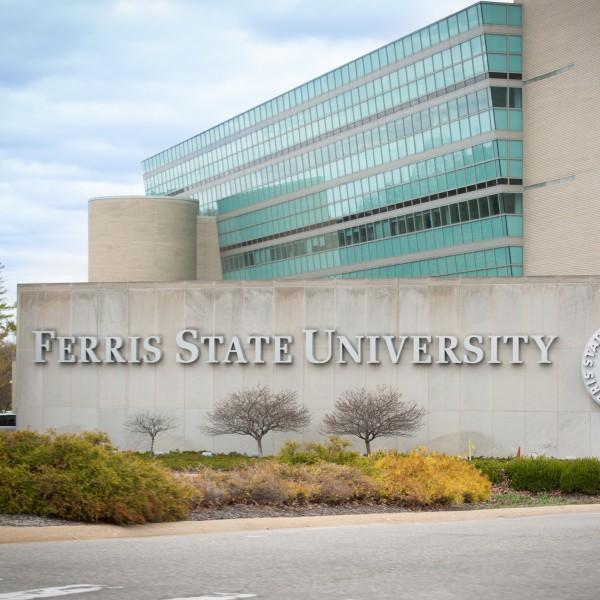 Ferris State Academic Calendar 2022.Apartments For Rent In Big Rapids Mi University Parke Official Site