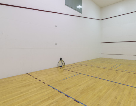Raquetball Court   Meridian at Ballston Commons   North Arlington, VA Apartments