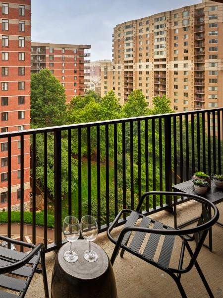 Luxurious Dining Room | Arlington VA Apartments | Courtland Towers 1