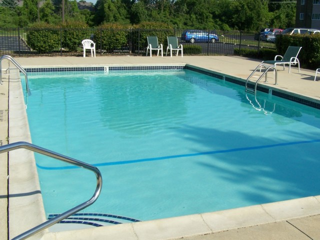 Image of Swimming Pool for Hidden Trail Apartments
