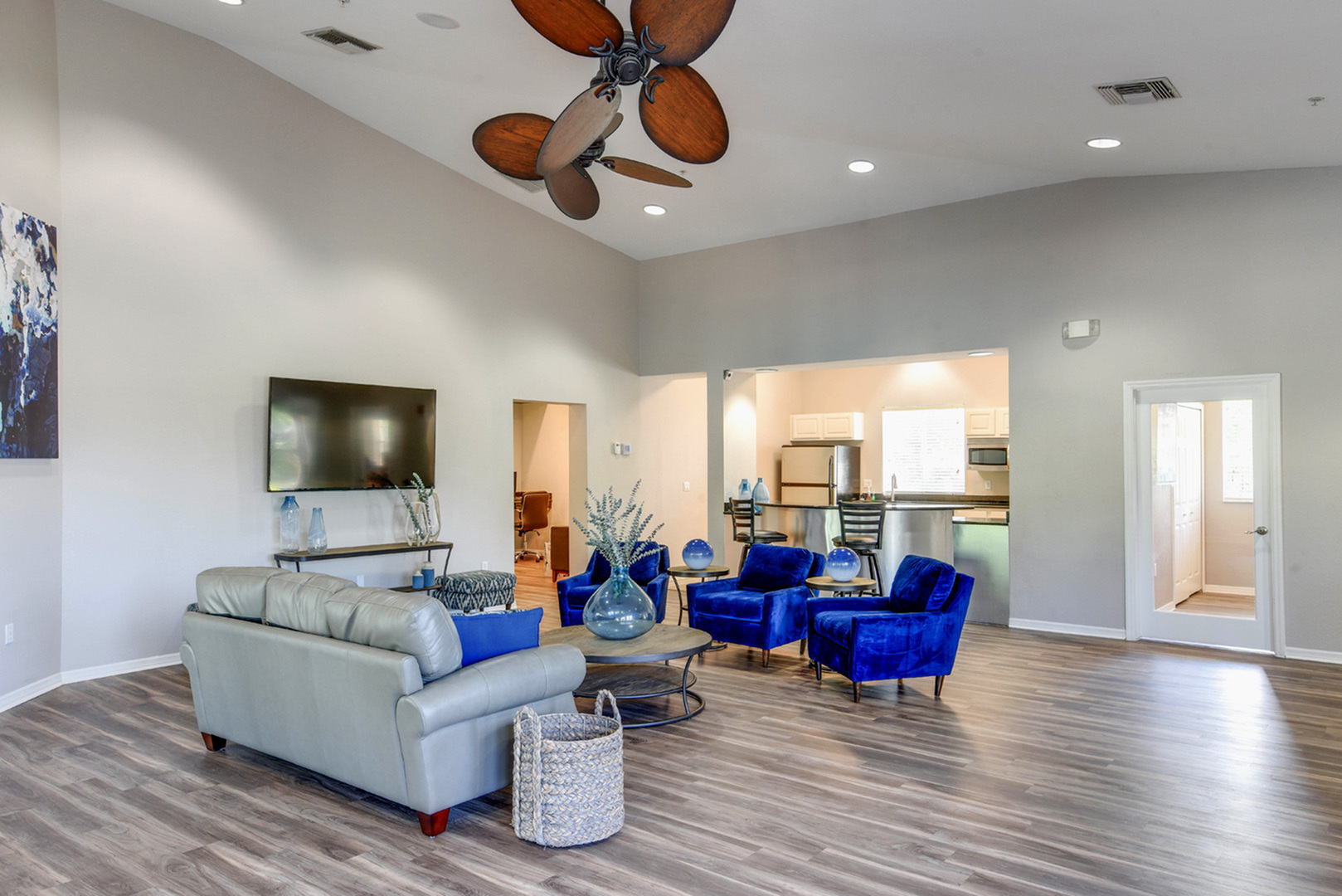 Clubhouse with Wi-Fi, coffee bar, and game center