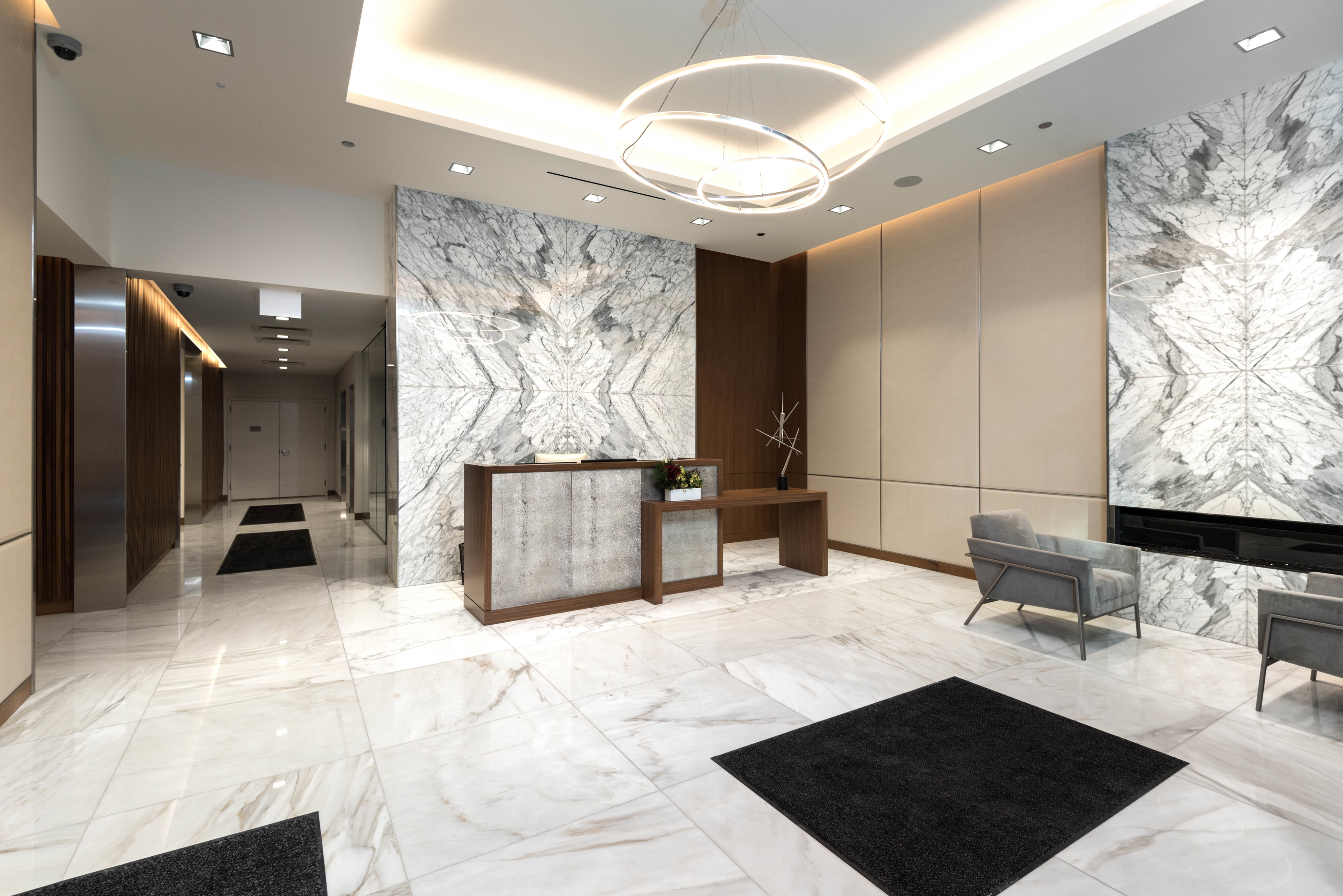 Amenities at 8 East Huron | Luxury Apartments in River North