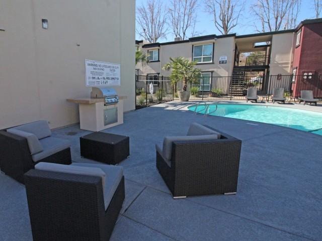 Pool Villa Regia