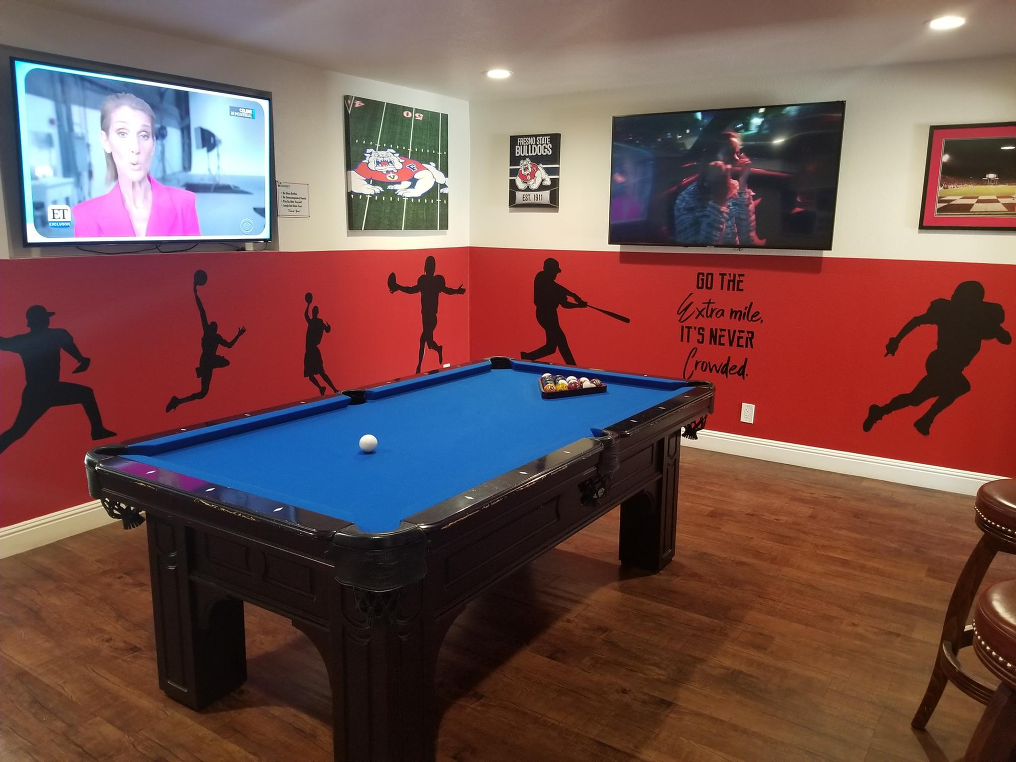 Resident Billiards Table | Apartments Fresno, CA |