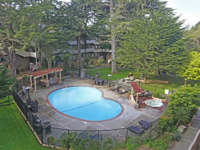 Image of Lush garden courtyard setting for The Crest at Pacific Grove