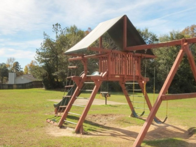 Image of Playground for Ridgewood Apartments