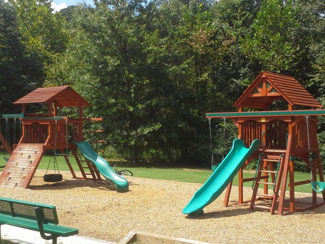 Image of Playground for Saddle Creek Apartments