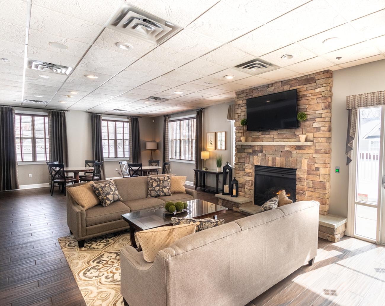 Resident Lounge | Autumn Creek Apartments