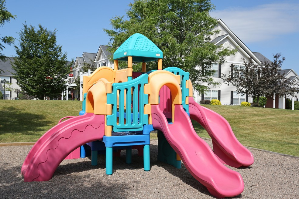 Community Children\'s Playground | Apartment Homes in East Amherst, NY | Autumn Creek Apartments