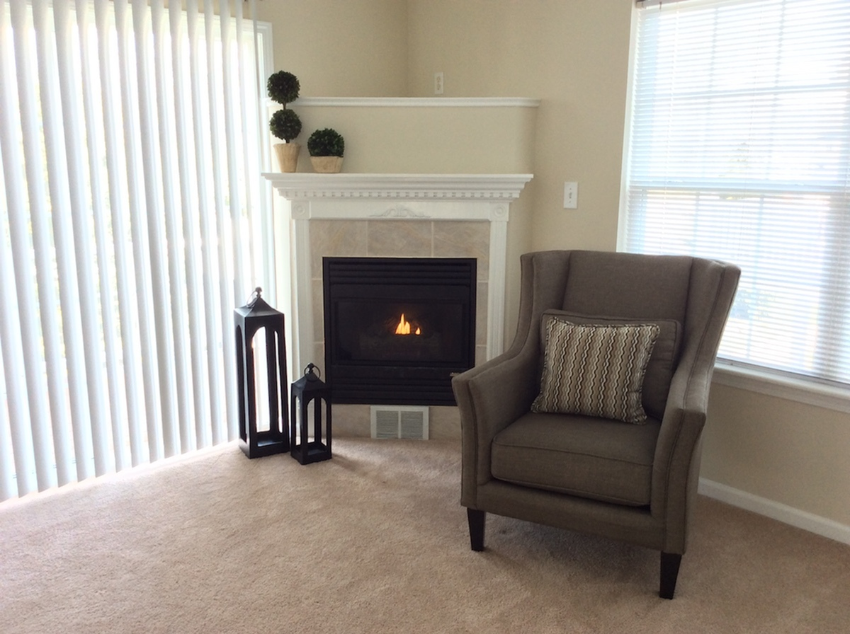 Apartment with Cozy Fireplace | East Amherst NY Apartment Homes | Autumn Creek Apartments