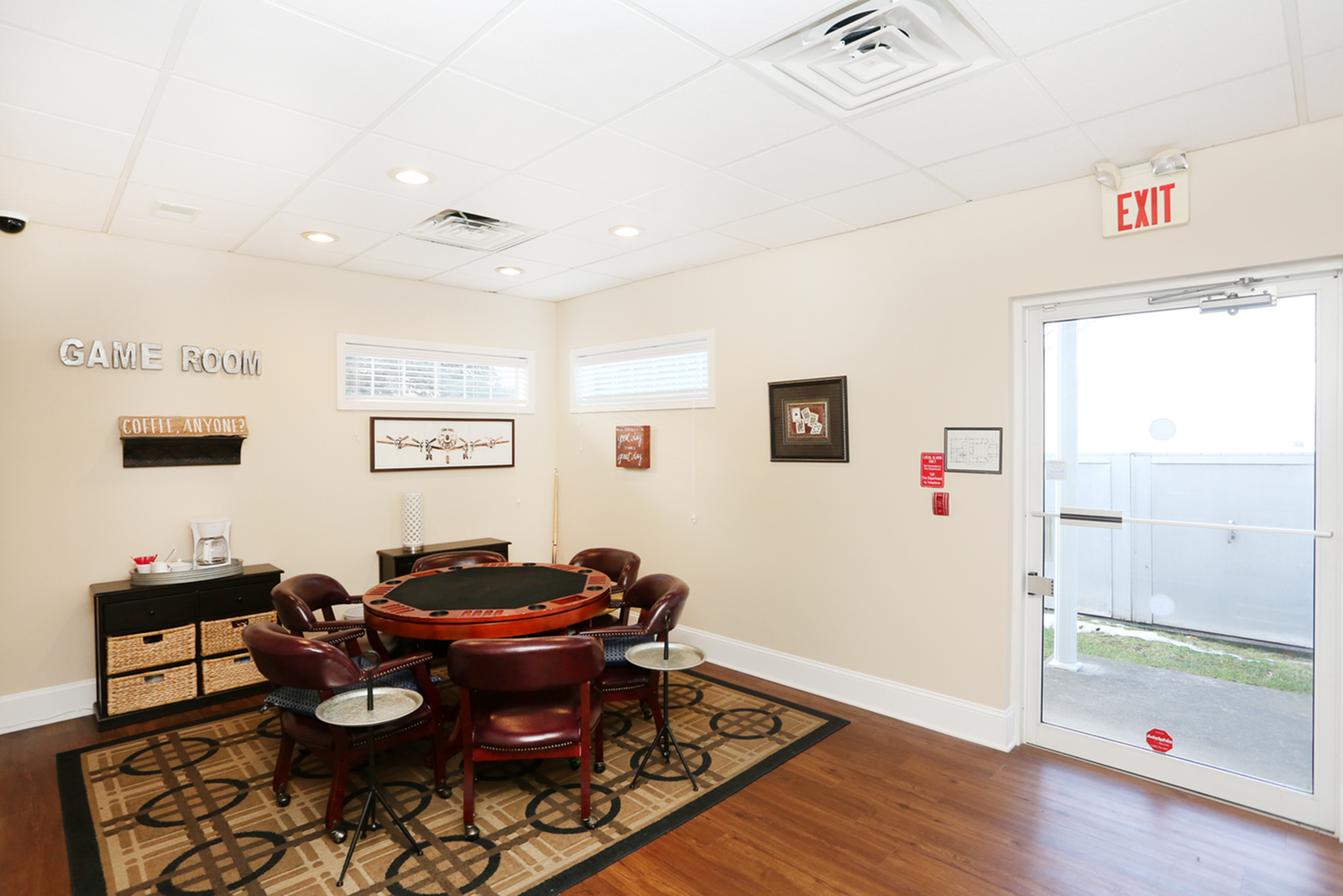 Resident Game Room | Apartments in Williamsville, NY | StoneGate of Clarence Apartment Homes