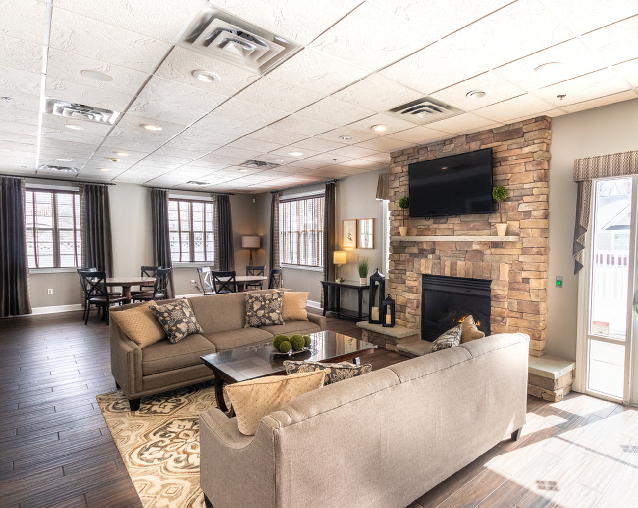 Resident Lounge | Apartment Homes in East Amherst, NY | Autumn Creek Apartments