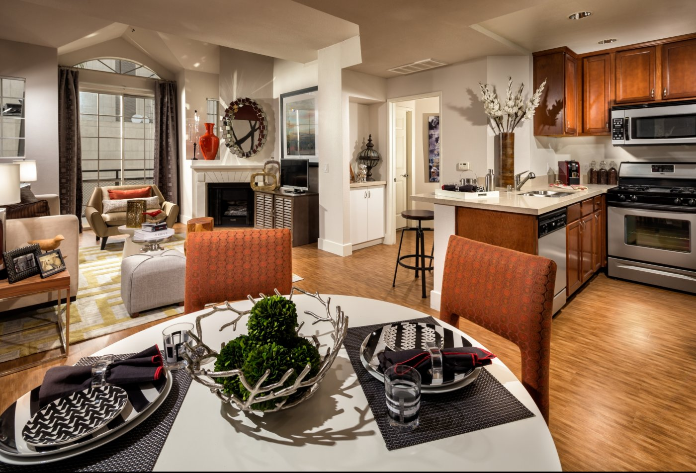 State-of-the-Art Kitchen   Los Angeles Apt   The Preston Miracle Mile