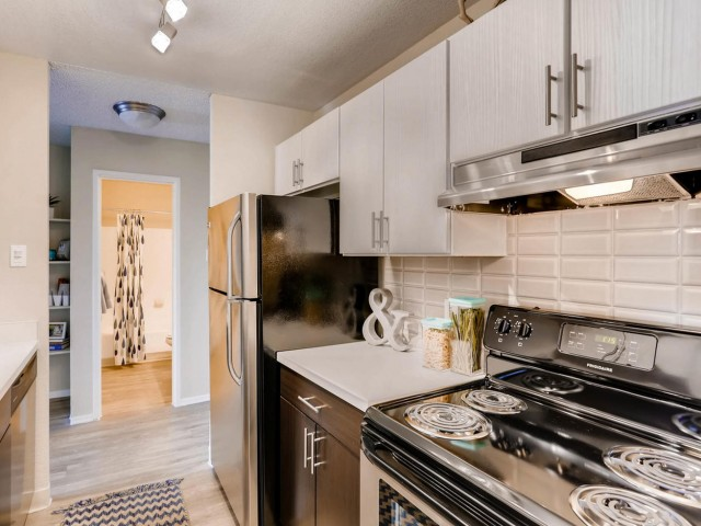 Image of Electric Range for Lakeview Towers at Belmar Apartments