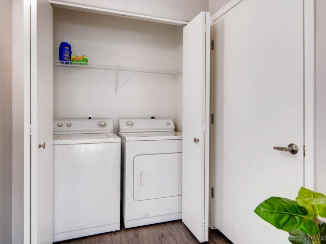 Image of Washer/Dryer for Palm Court Apartments
