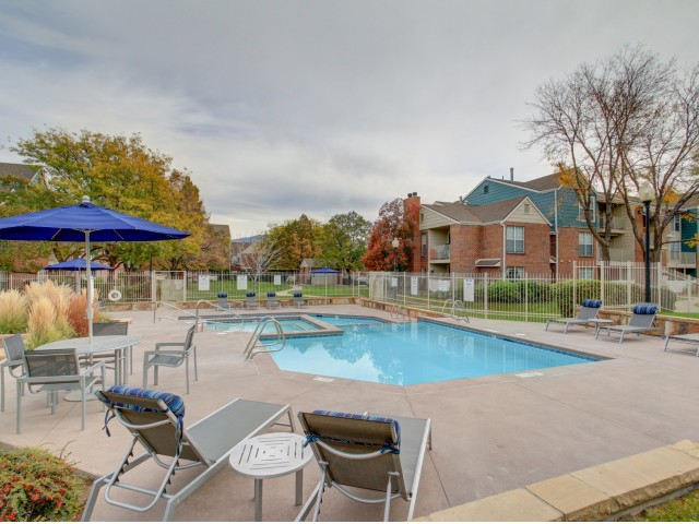 Image of Outdoor Swimming Pool and Hot Tub for Riverbend