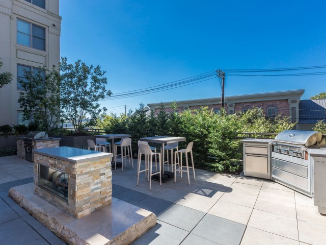 Community BBQ Grills | Luxury Apartments In Bethesda | Upstairs At Bethesda  Row