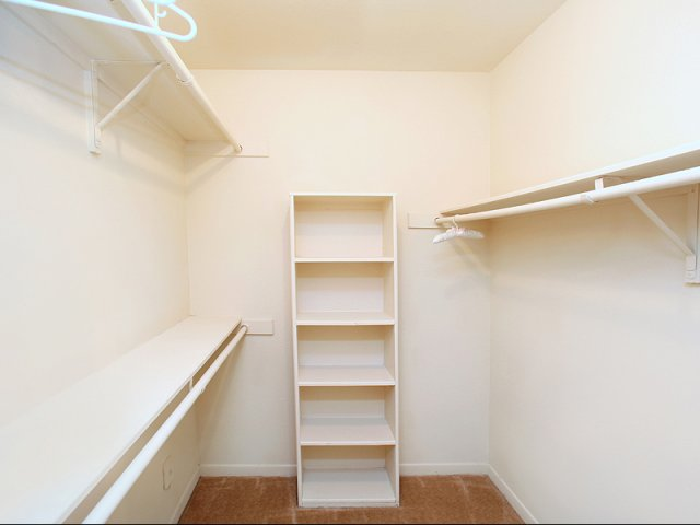 Ious Closet Apartments In Kennesaw Ga Greenhouse