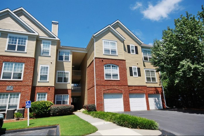 Apartments in Sandy Springs For Rent | Dunwoody Place Apartments