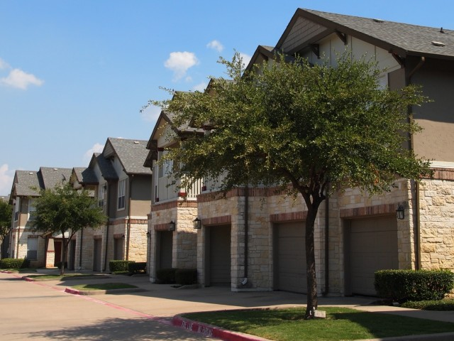 Plano Tx Apartments With Garages