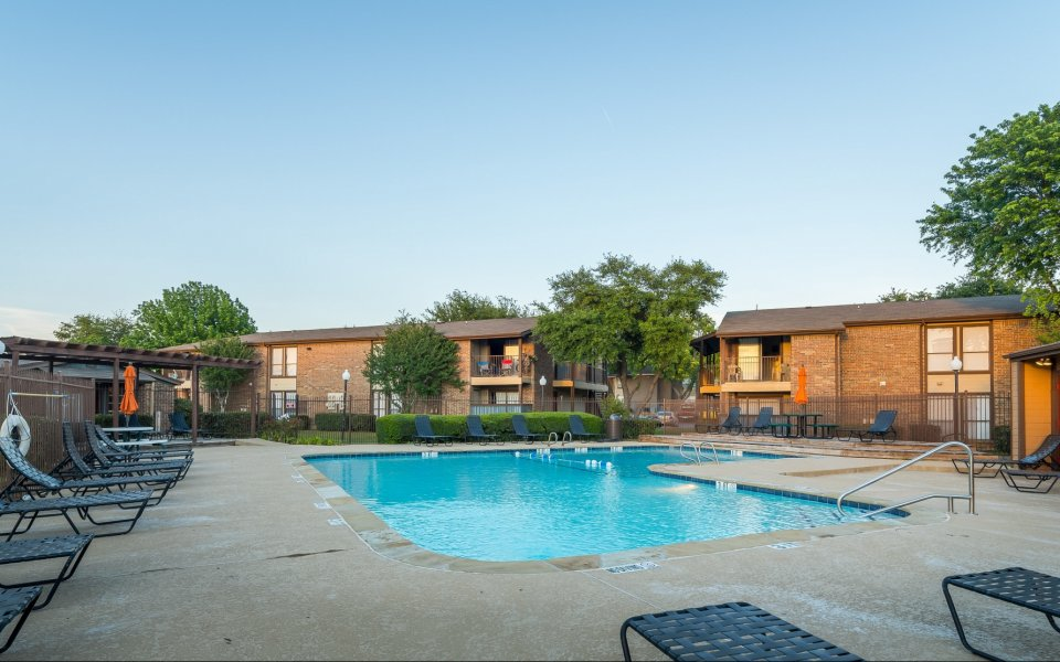 8500 Harwood Apartment Rentals
