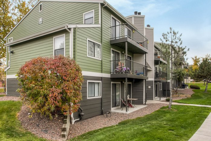 Arvada Apartments | The Ridge at Mountain View