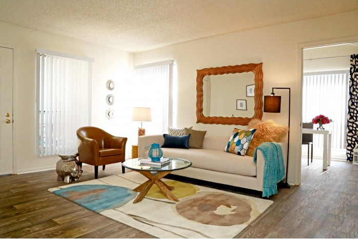 Elegant Living Room | Apartments Northglenn Colorado | Keystone Apartments